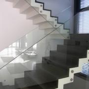 sklenené zábradlie